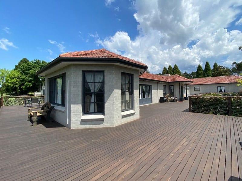 Bundanoon house deck